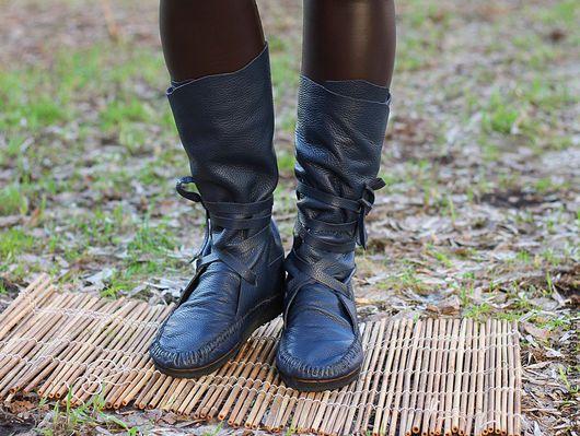 Обувь ручной работы. Ярмарка Мастеров - ручная работа. Купить Сапоги мокасины из темно синей фактурной кожи. Handmade. Сапоги