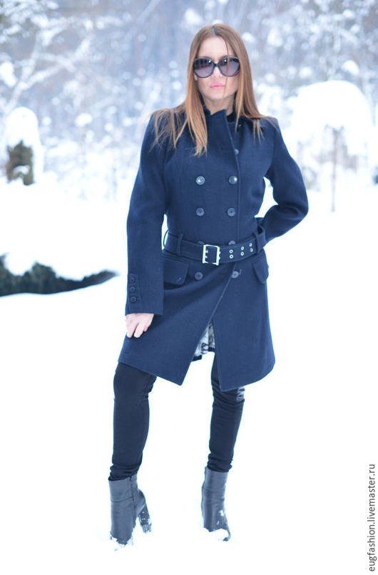 Стильное пальто. Элегантное пальто. Пальто из шерсти.