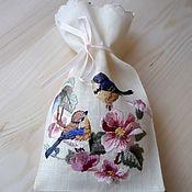 """Для дома и интерьера ручной работы. Ярмарка Мастеров - ручная работа """"Птички на цветущей ветке"""", льняной мешочек. Handmade."""