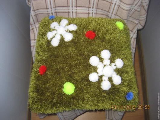 """Текстиль, ковры ручной работы. Ярмарка Мастеров - ручная работа. Купить Подушка """"Снежинки"""". Handmade. Зеленый, елочка, прикольный подарок"""