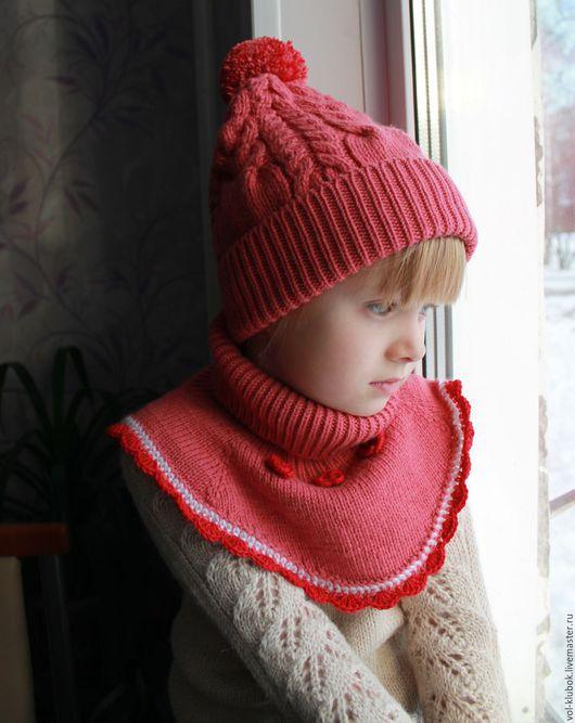 """Одежда для девочек, ручной работы. Ярмарка Мастеров - ручная работа. Купить Комплект """"Ягодка моя"""" Шапочка с отворотом и шарф-манишка. Handmade."""