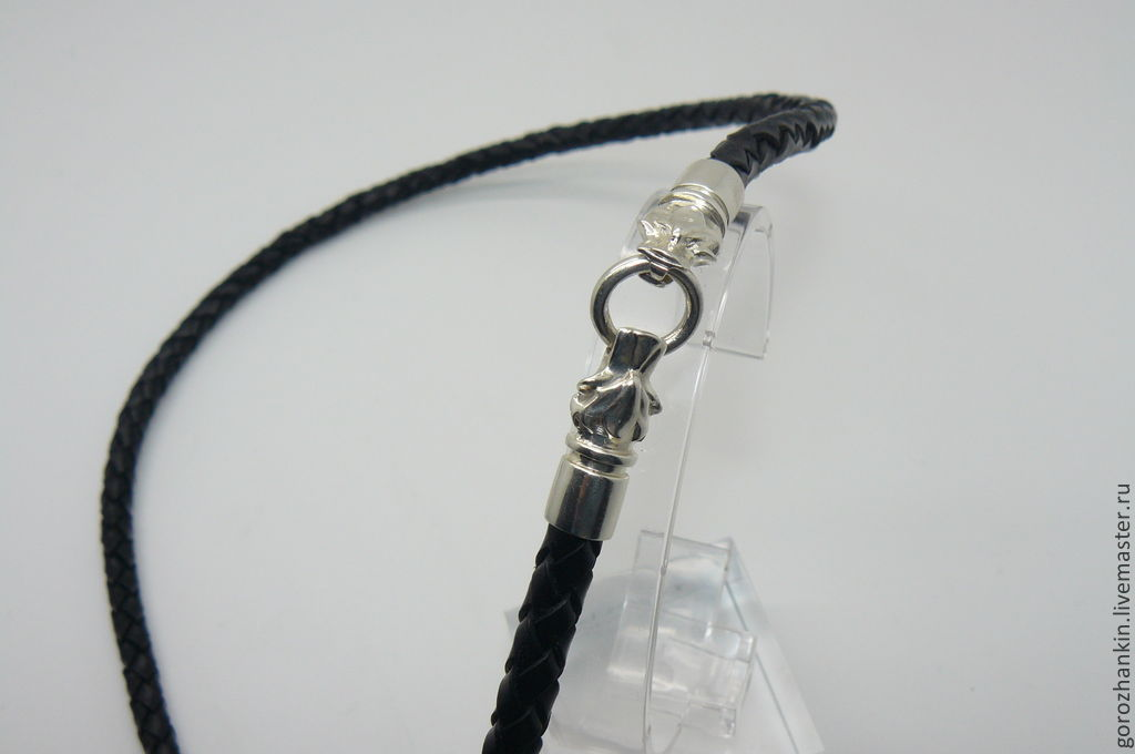 Chalker, cord, lace neck, woven black leather 6 mm thick with a lock in the form of the head of wolf silver 925 Handmade