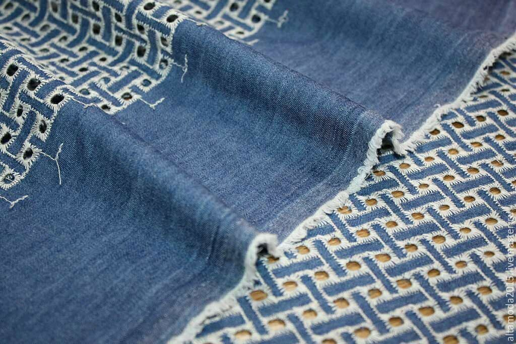 Ткань джинса с вышивкой купить