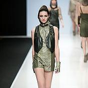 """Одежда ручной работы. Ярмарка Мастеров - ручная работа 3D Жилет """"Ящерка"""" из натуральной кожи тёмно-зелёного цвета. Handmade."""