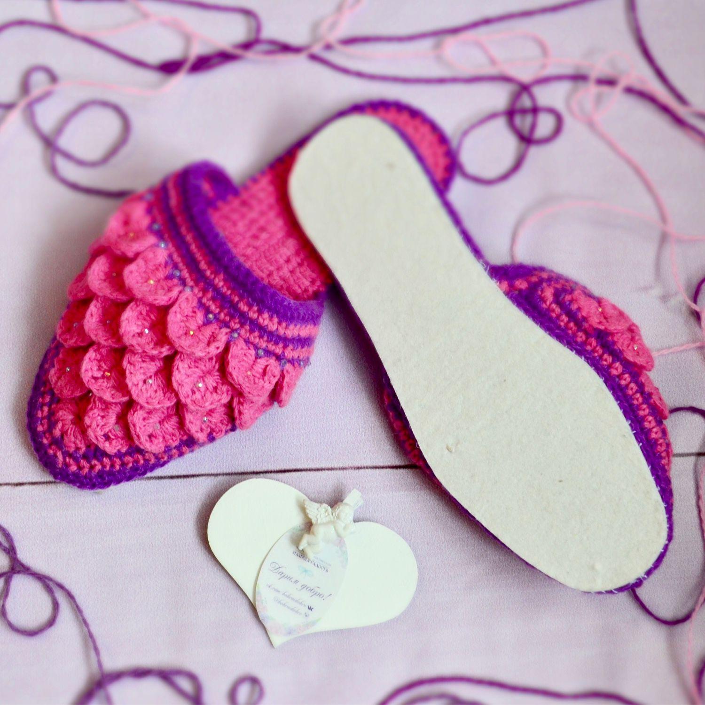 Ручное вязан тапочки