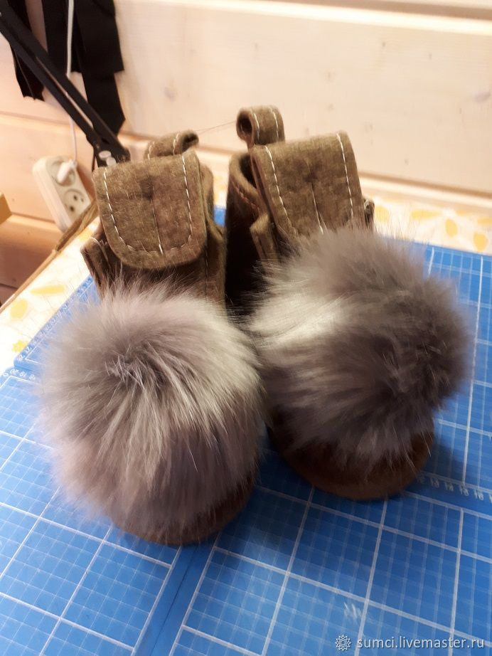 Handmade Shoes handmade. Livemaster - handmade. Buy Valesi Pets with POM-poms.Pompon, boots beautiful