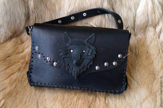 """Мужские сумки ручной работы. Ярмарка Мастеров - ручная работа. Купить Маленькая кожаная сумочка на пояс """"Волк"""". Handmade. Черный"""