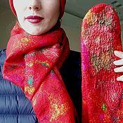 """Аксессуары ручной работы. Ярмарка Мастеров - ручная работа Валяный комплект """"Красные розы"""" ( шапочка, варежки шарф). Handmade."""