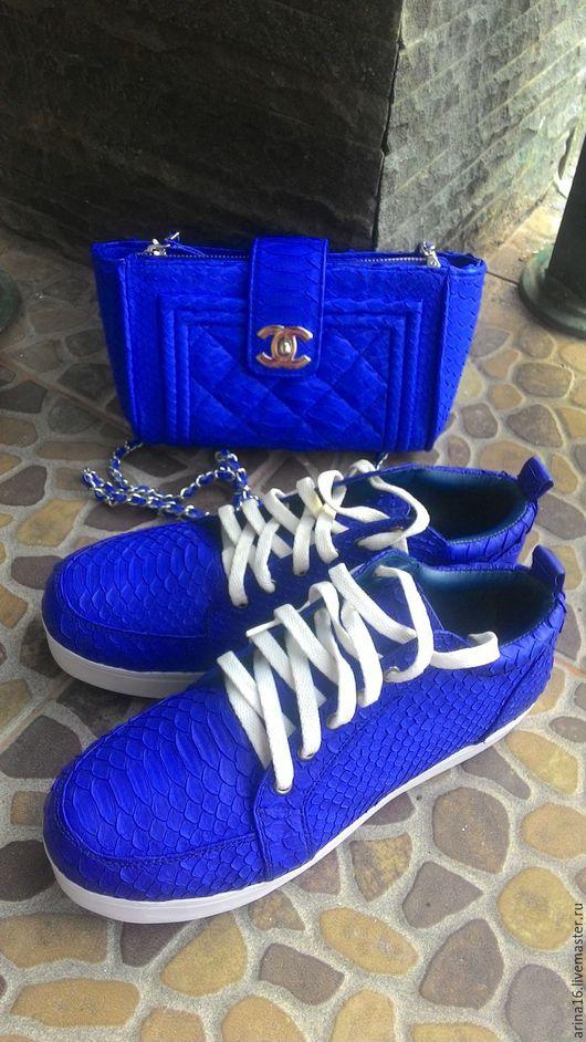 Обувь ручной работы. Ярмарка Мастеров - ручная работа. Купить комплект ярко - синий. Handmade. Кожа питона, сумка из питона