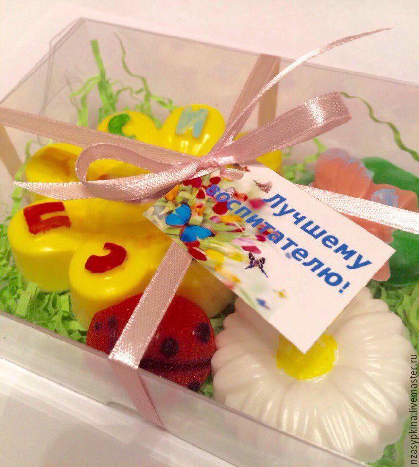 Подарок воспитателю на день рождения фото