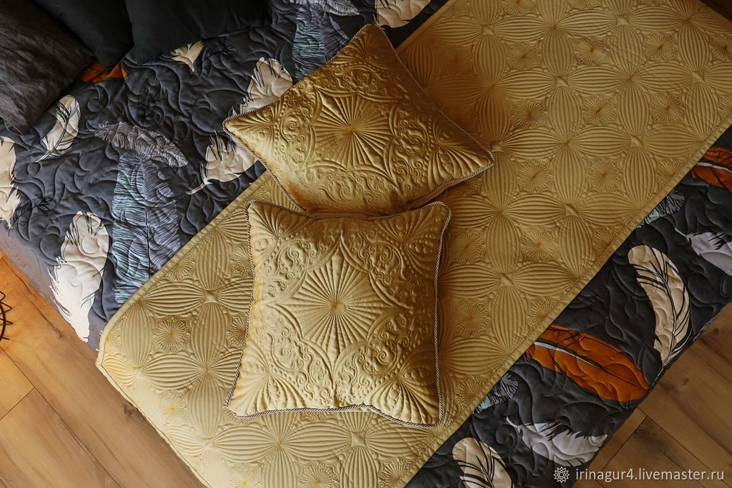 Quilted gold sachet with pillows, Interior elements, Yaroslavl,  Фото №1