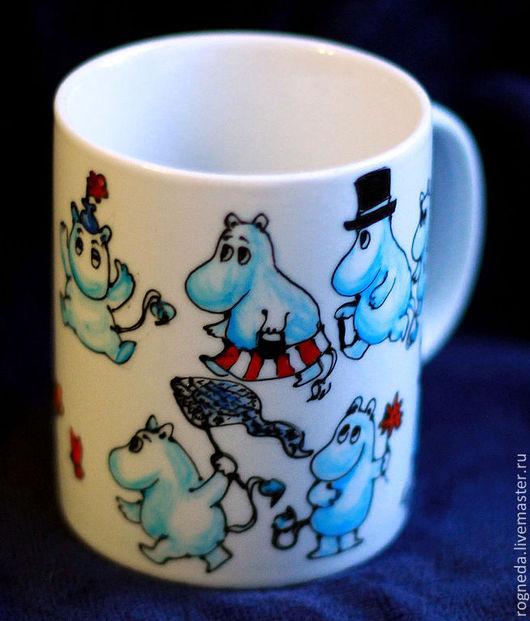 Кружки и чашки ручной работы. Ярмарка Мастеров - ручная работа. Купить Муми-троллей много не бывает (0138). Handmade.