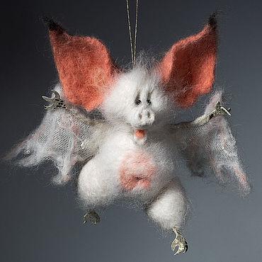 Куклы и игрушки ручной работы. Ярмарка Мастеров - ручная работа Летучая Мышь. Валяная игрушка милый Дракула.. Handmade.