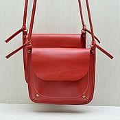 """Сумки и аксессуары ручной работы. Ярмарка Мастеров - ручная работа Кожаная сумка на плечо """"Смелая""""! Ярко-красный, холодный красный цвет.. Handmade."""