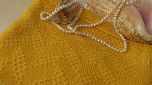 Работа от Татьяны. Пледик связан на машине. вязание плотное. размер 90-110. Прекрасное изделие для выписки младенчика. Носочки в подарок.
