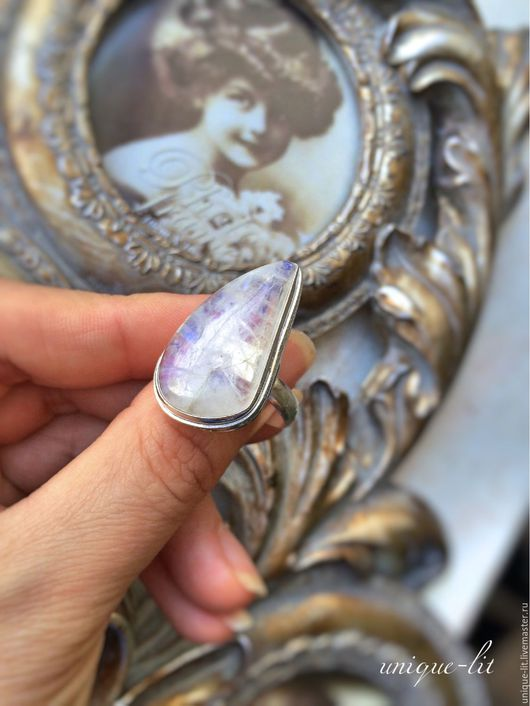 Кольца ручной работы. Ярмарка Мастеров - ручная работа. Купить Нежное колечко из Лунного камня. Handmade. Лунный камень