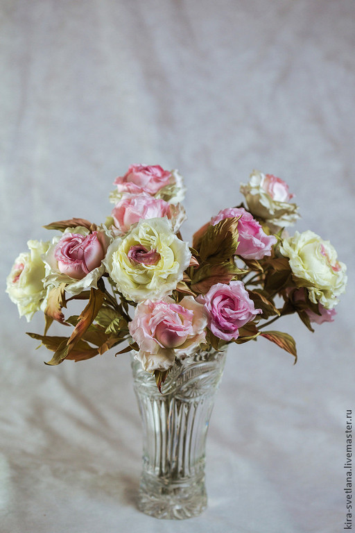 Интерьерный букет шелковых роз `Ваниль`, 15 роз и бутонов  разной степени раскрытия. Натуральный шелк. Ручная работа. Японские ткани - материалы для цветоделия.