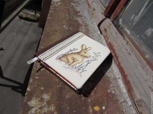 """Блокноты ручной работы. Ярмарка Мастеров - ручная работа. Купить Блокнот для записей с ручной вышивкой """"Заяц"""". Handmade. Коричневый"""