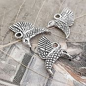 Материалы для творчества handmade. Livemaster - original item Bird pendant 18h15 mm antique silver (2402). Handmade.