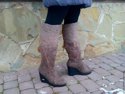 """Обувь ручной работы. Ярмарка Мастеров - ручная работа. Купить валяные сапожки """"Теплые чулочки"""". Handmade. Коричневый, теплые сапоги"""