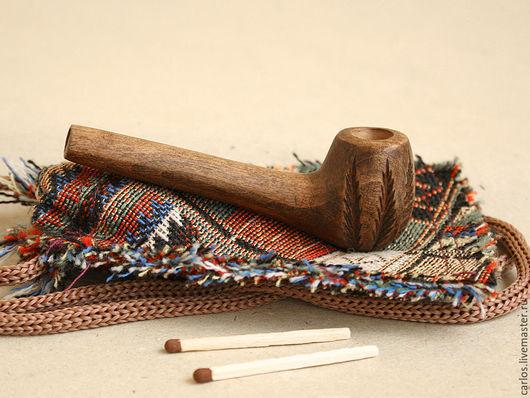 Изготовлена из цельного куска твёрдой и прочной древесины. Длинна 8,5 см