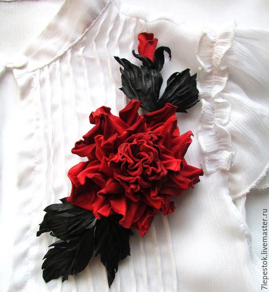 Брошь-роза Испанские грезы. Цветы из кожи. Елена (7 Lepestok).  Ярмарка мастеров.
