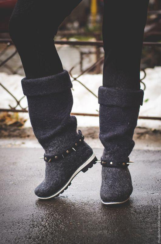 Обувь ручной работы. Ярмарка Мастеров - ручная работа. Купить Валяные сапоги. Handmade. Черный, валяные сапоги, валенки модные