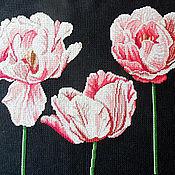 Картины и панно ручной работы. Ярмарка Мастеров - ручная работа Тюльпаны, вышитая картина, розовый, черный фон, крупные нежные цветы. Handmade.