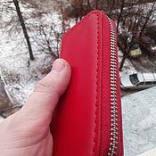 Ключницы ручной работы. Ярмарка Мастеров - ручная работа Ключница из натуральной кожи красного цвета. Handmade.