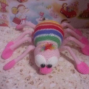 Куклы и игрушки ручной работы. Ярмарка Мастеров - ручная работа Игрушки: Разноцветный паучок. Handmade.