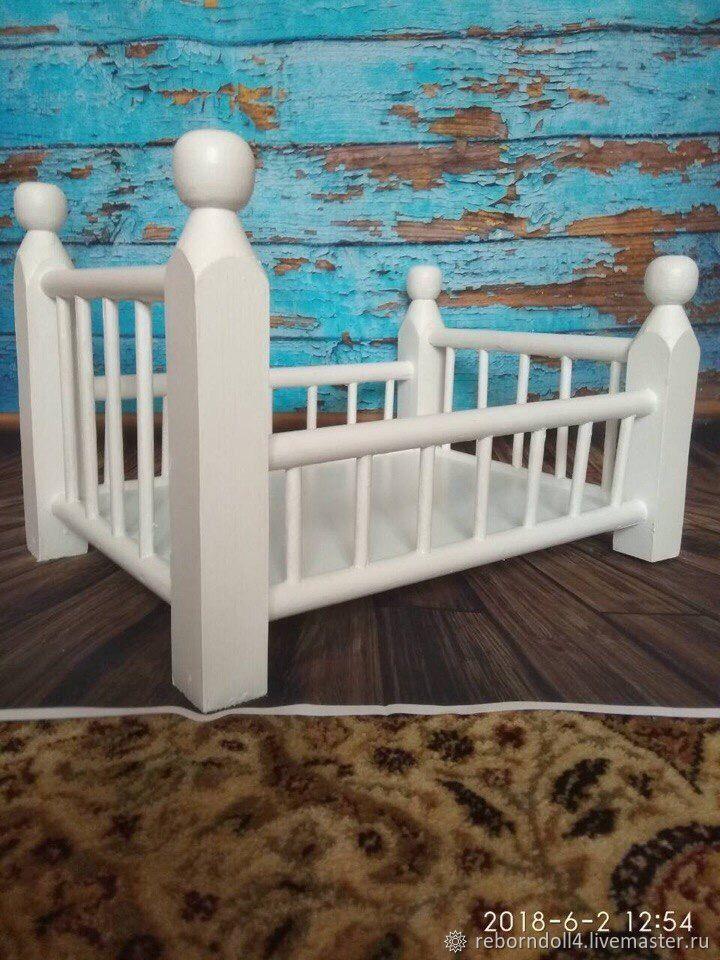 деревянная кроватка для фотосессии задействовать