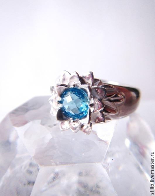 """Кольца ручной работы. Ярмарка Мастеров - ручная работа. Купить Кольцо """"Лотос""""-топаз swiss blu,серебро 925. Handmade."""