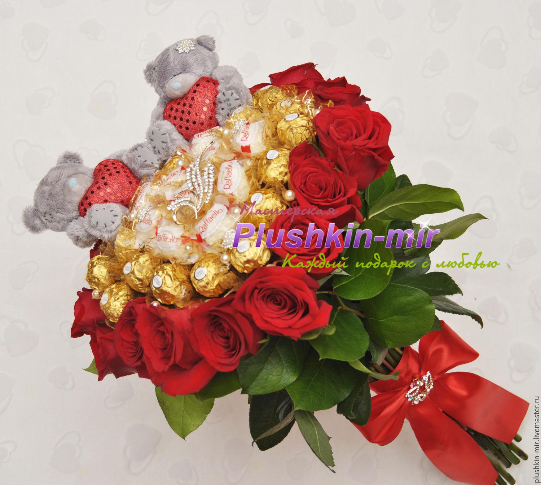 Тематические букеты из живых цветов и конфет, доставка цветов спб