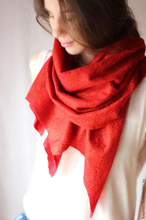 Шали, палантины ручной работы. Ярмарка Мастеров - ручная работа. Купить Валяный красно-терракотовый шарф-cobweb. Handmade. Красный
