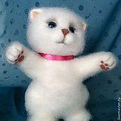 Куклы и игрушки ручной работы. Ярмарка Мастеров - ручная работа Снежок валяная игрушка. Handmade.