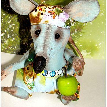 Куклы и игрушки ручной работы. Ярмарка Мастеров - ручная работа Игрушки: Крыса с яблоком. Handmade.