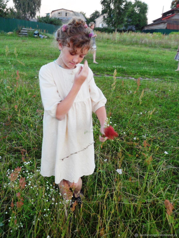 """Платье для девочки вышитое """"Цветы лунных лугов"""""""