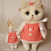 Куклы и игрушки ручной работы. Ярмарка Мастеров - ручная работа Кошечка Лиза с зайкой. Handmade.