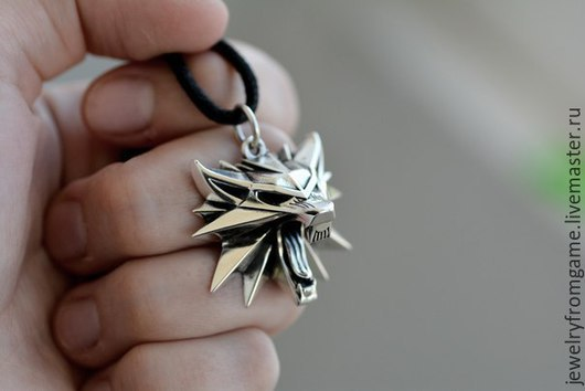 Подарки для мужчин, ручной работы. Ярмарка Мастеров - ручная работа. Купить Медальон по мотивам компьютерной игры Ведьмак Дикая Охота. Handmade.