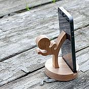 Сувениры и подарки ручной работы. Ярмарка Мастеров - ручная работа Подставка для телефона, планшета из дерева. Handmade.