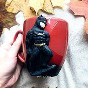 Кружки ручной работы. Ярмарка Мастеров - ручная работа Кружка в подарок с Бэтменом для мальчика мужчины парня на 23 февраля. Handmade.