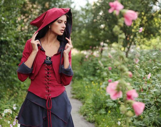 Каждый из элементов комплекта можно приобрести по отдельности: Платье - 6600 руб Корсаж с баской - 5800 руб Жакет с капюшоном - 4900 руб