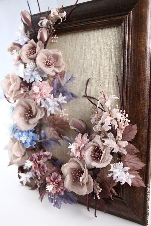 Букет искусственных цветов ручной работы выполненный в виде картины для интерьера