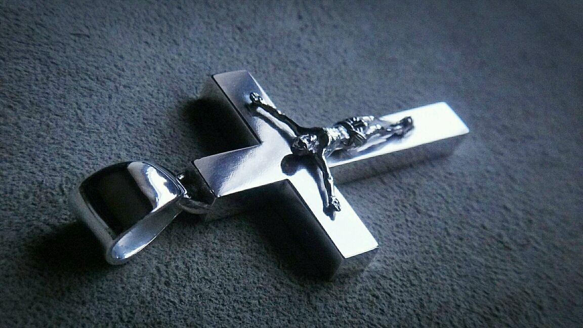 Смотреть серебряные католические крестики фото