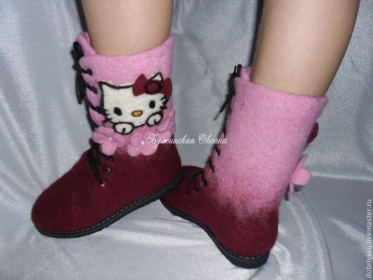 """Обувь ручной работы. Ярмарка Мастеров - ручная работа. Купить валеночки """"Hello Kitty"""". Handmade. Бордовый, валенки ручной валки"""