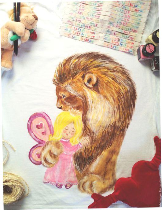 Футболки, майки ручной работы. Ярмарка Мастеров - ручная работа. Купить Футболка с ручной росписью Лев и принцесса. Handmade. Белый