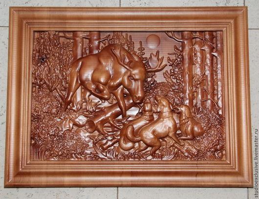 Животные ручной работы. Ярмарка Мастеров - ручная работа. Купить Охота на лося, резьба по дереву. Handmade. Охота, охотнику, панно