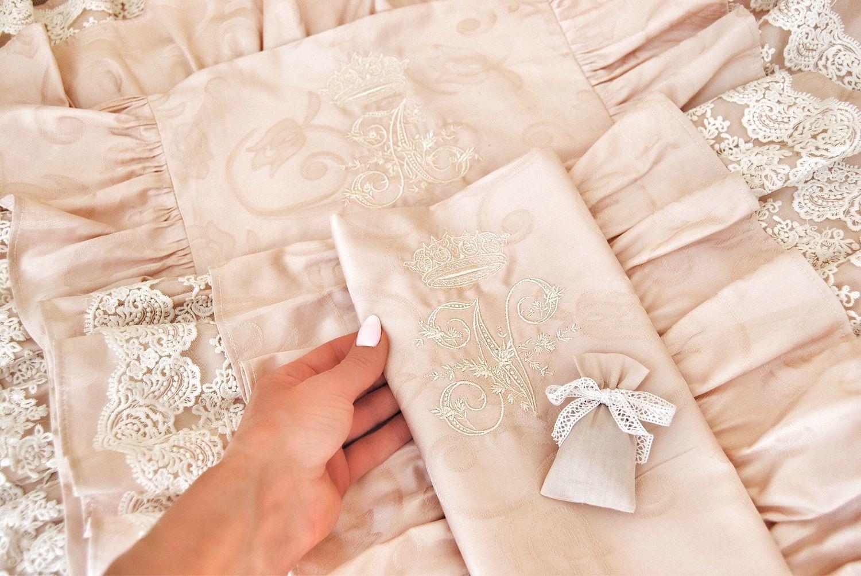 Подарок на свадьбу Жаккардовый комплект пудра с кружевом и инициалами, Подарки, Самара,  Фото №1