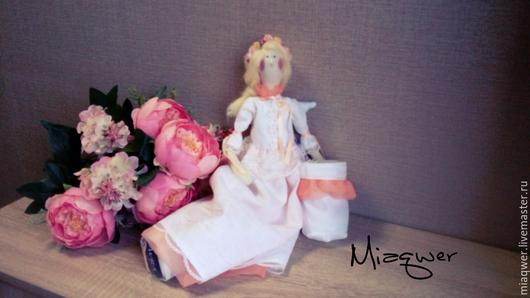 Куклы Тильды ручной работы. Ярмарка Мастеров - ручная работа. Купить Белла - Хранительница ватных палочек и дисков. Handmade. Белый
