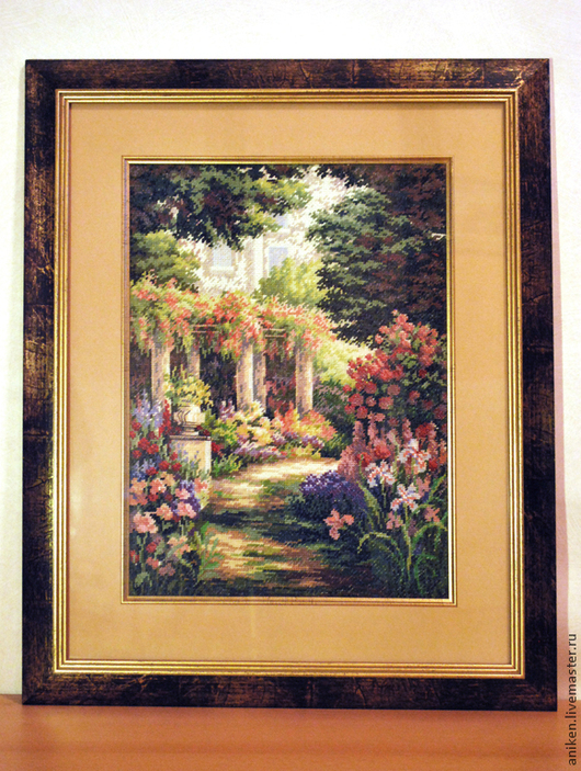 `Дорожка в цветочном саду` для украшения любого помещения.